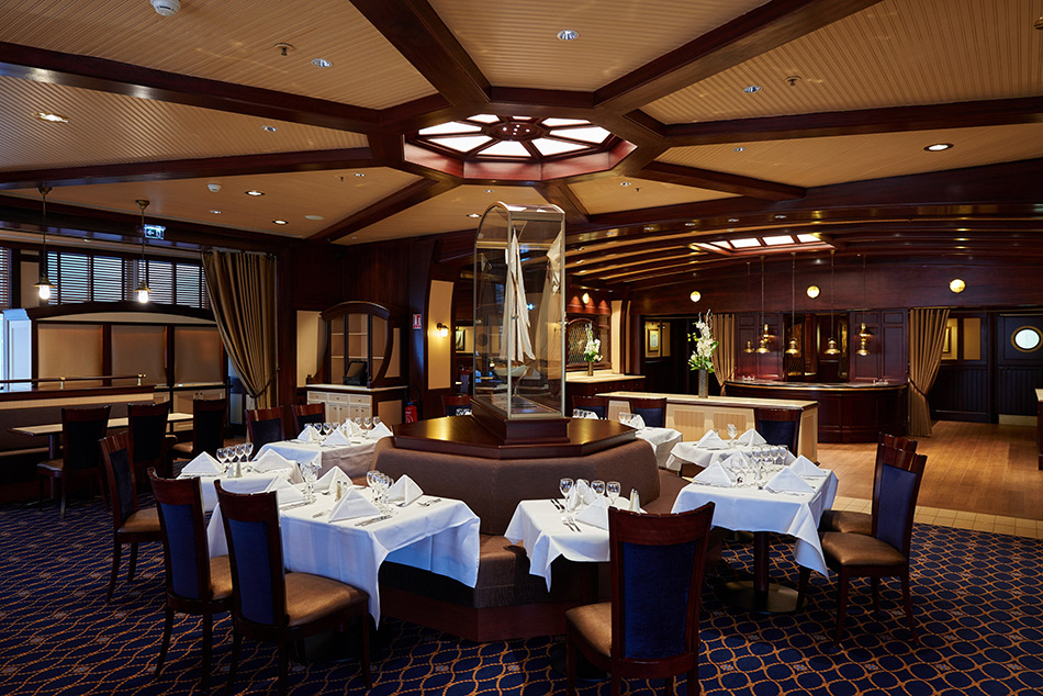 Yacht Club Restaurant at Disney's Newport Bay Club Hotel