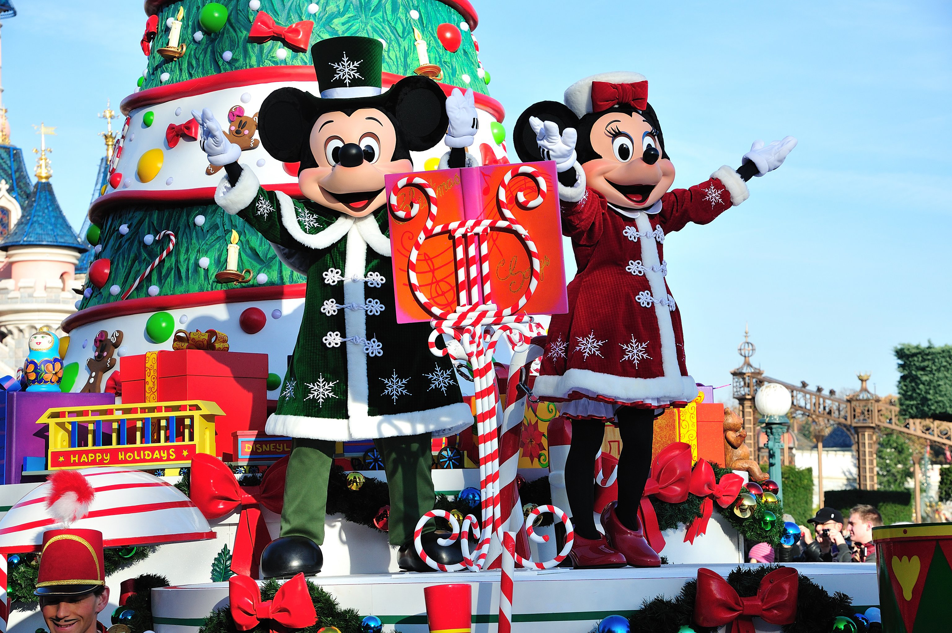 Mickey & Minnie - Christmas at Disney