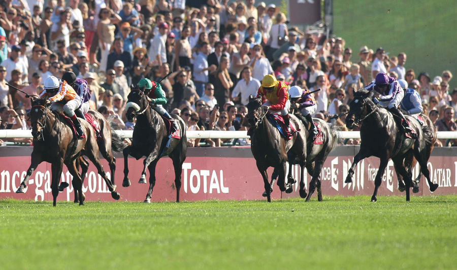 horse racing arc de triomphe